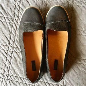 OluKai Lino Black Leather Flats Size 8